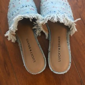Lucky Brand Bapsee Slide in light denim